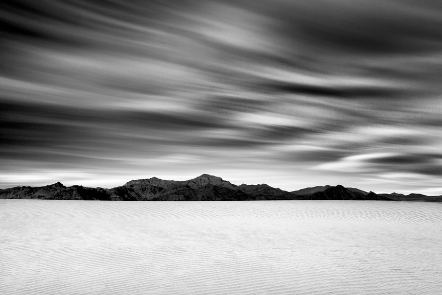 Fast Clouds on a Slow Desert